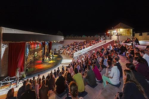 آمفی تئاتر در هتل 5 ستاره شروود لارا آنتالیا