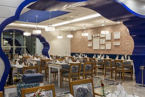 رستوران ایتالیایی Sapore A'la Carte Restaurant در هتل شروود لارا