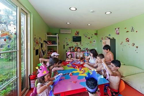 کلوپ کودکان هتل پورتوبلو آنتالیا