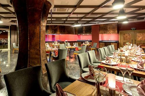 رستوران Selenge A'la Carte Restaurant در هتل شروود لارا