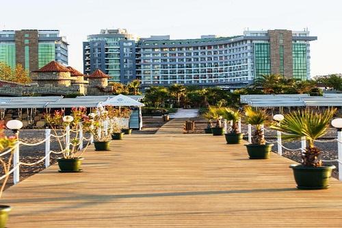 اسکلۀ ساحل اختصاصی هتل شروود لارا