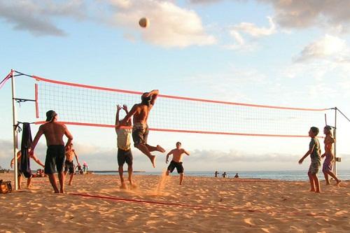 تفریحات ساحلی در ساحل اختصاصی هتل 5 ستاره رویال هالیدی پالاس آنتالیا
