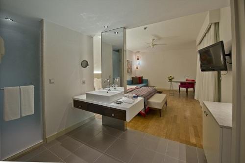 سوئیت های Corner Suite در هتل 5 ستاره باروت لارا آنتالیا Barut Lara