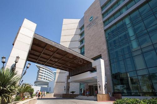 ورودی هتل شروود لارا