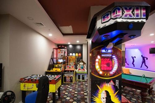 سالن بازی در هتل 5 ستاره شروود لارا آنتالیا