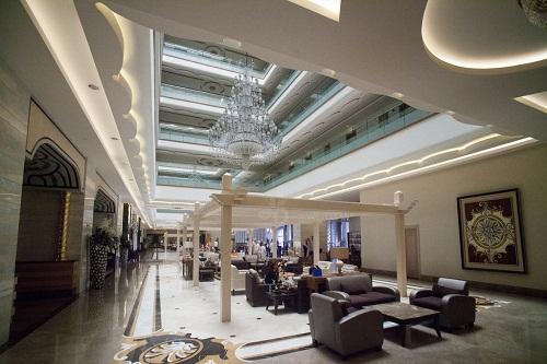 لابی هتل رویال هالیدی پالاس