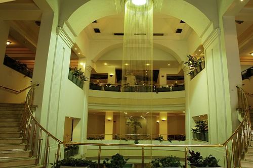 لابی هتل آدونیس