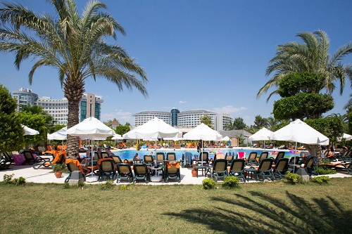استخر اصلی هتل 5 ستاره شروود لارا آنتالیا