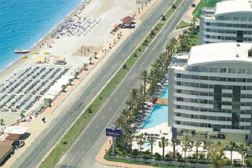 ساحل اختصاصی هتل پورتوبلو آنتالیا Porto Bello Resort & Spa