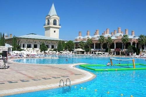 والیبال در آب در هتل 5 ستاره وو توپکاپی آنتالیا