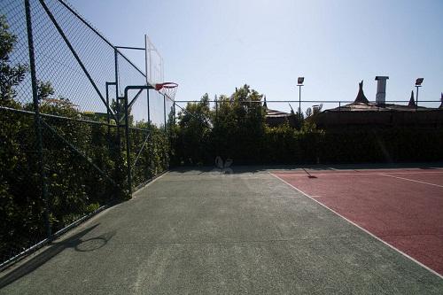 زمین تنیس در هتل 5 ستاره رویال هالیدی پالاس آنتالیا