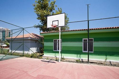زمین بسکتبال هتل 5 ستاره شروود لارا آنتالیا