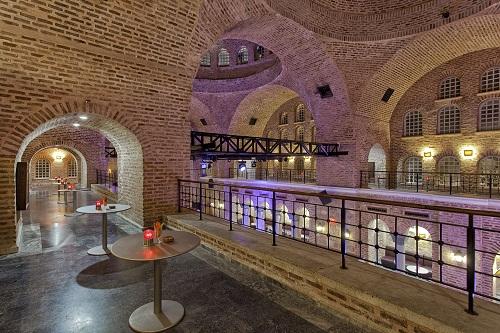 کلوپ شبانه در هتل توپکاپی آنتالیا