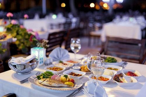 رستوران دریایی Marine - Beach Restaurant در هتل توپکاپی آنتالیا