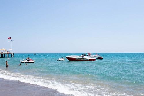 تفریحات ساحلی در هتل 5 ستاره شروود لارا آنتالیا
