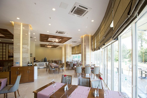 رستوران اصلی هتل شروود لارا