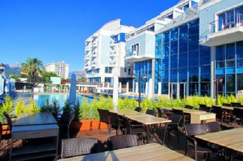 اسنک بار استخر اصلی هتل سی لایف آنتالیا Sealife Family Resort Hotel