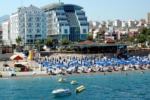 تفریحات ساحلی در هتل 5 ستاره سی لایف آنتالیا