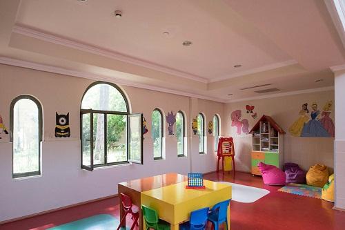 کلوپ کودکان در هتل 5 ستاره ونیزیا پالاس آنتالیا