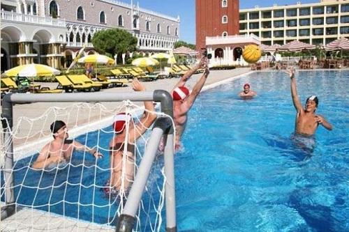 واترپلو در هتل ونیزیا پالاس آنتالیا