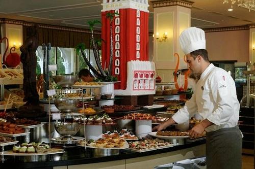 بخش شیرینیجات رستوران اصلی هتل 5 ستاره ونیزیا پالاس آنتالیا