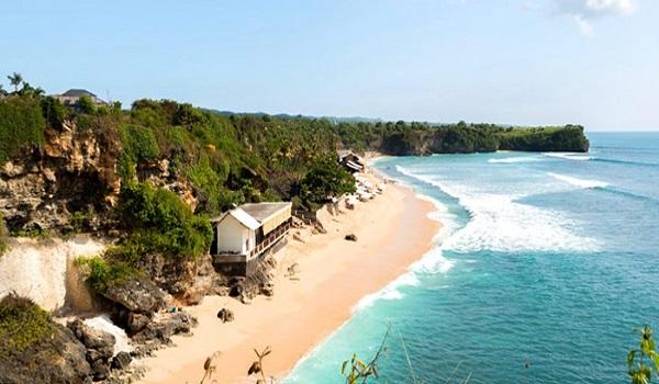 زیباترین و معروفترین جزیره اندونزی