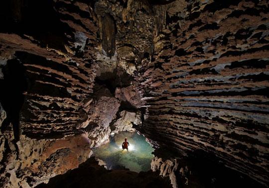 دنیای کشف شده در زیر زمین