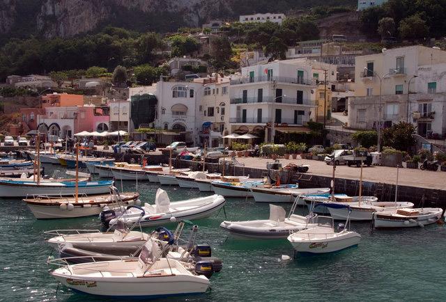 کاپری (Capri)