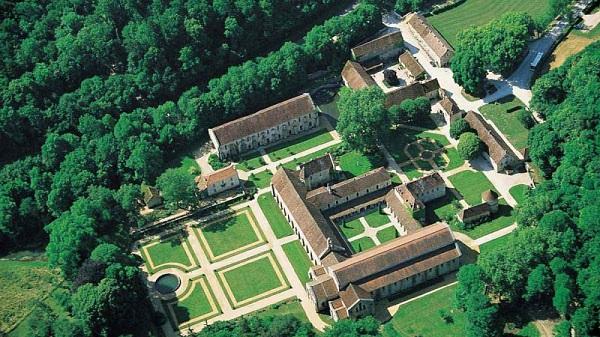 کلیسا فونتونی Abbey of Fontenay