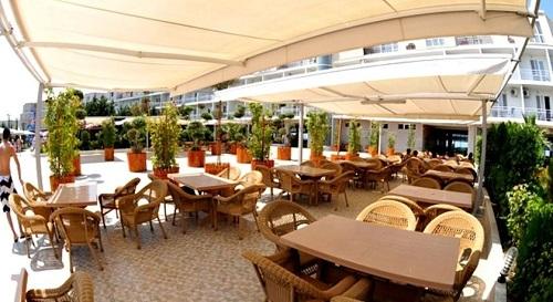 رستوران بیرونی هتل آف باکو