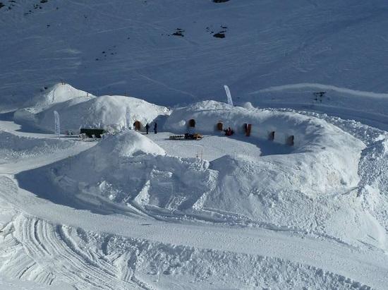 هتل یخی اسکیموها در کوه های آلپ
