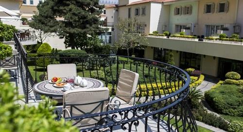 تراس هتل حیاط ریجنسی