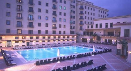 استخر روباز هتل حیاط ریجنسی باکو
