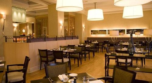 رستوران هتل حیاط ریجنسی