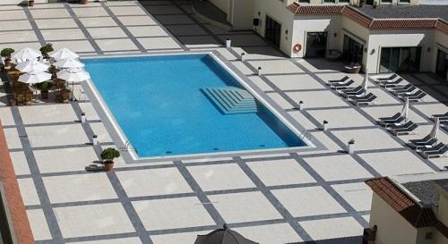 استخر روباز هتل حیاط ریجنسی