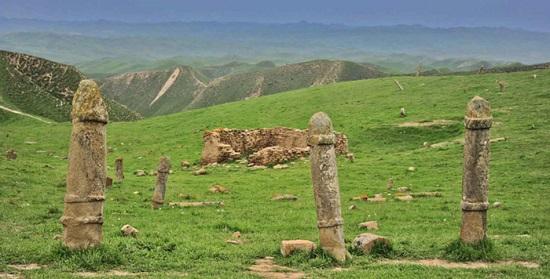 قبرستان خالدنبی ، قبرستانی خاص در گنبد