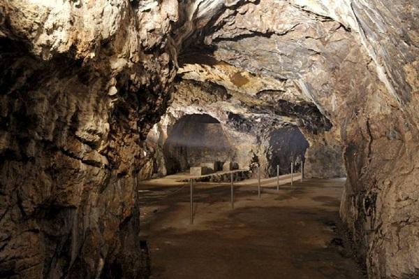 غارهای شگفت انگیز موراویان کارست