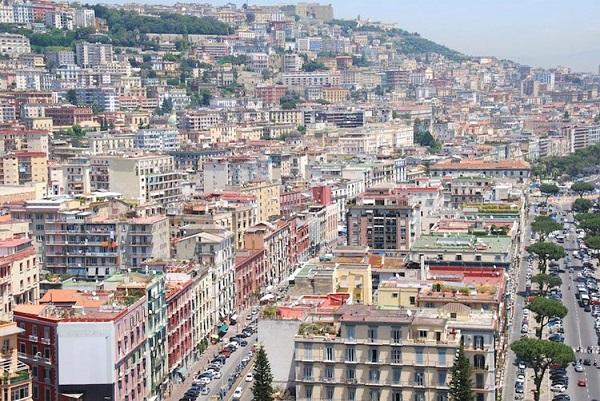 شهر ناپل در ایتالیا