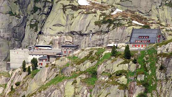 جاده گریمسل پَس در سوئیس