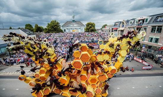 بزرگترین رژه گل جهان در هلند