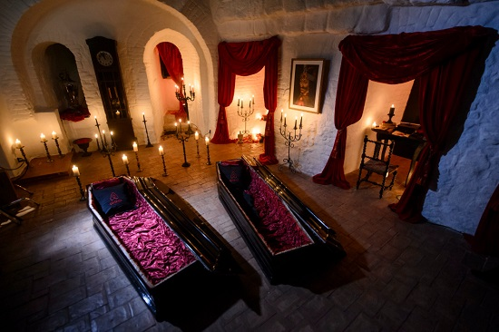 قصر دراکولا ، اقامتی متفاوت در رومانی