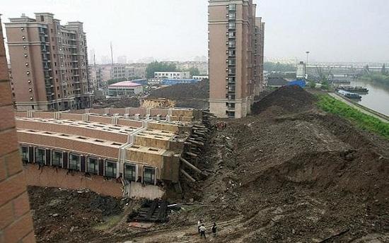 22 کشته در ریزش ساختمان های چین