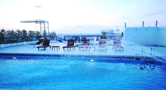 استخر هتل ابجار دبی
