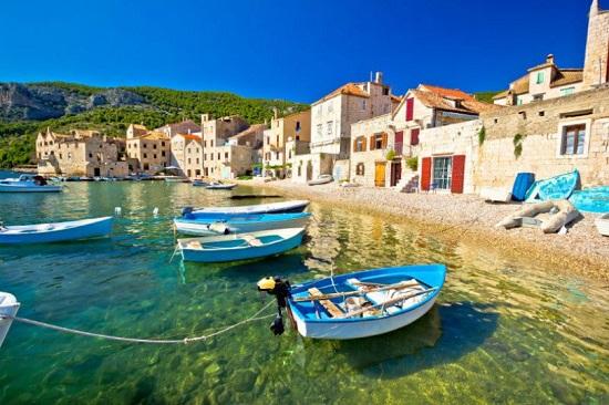 ویز ، جزیره سنگی زیبا در کرواسی