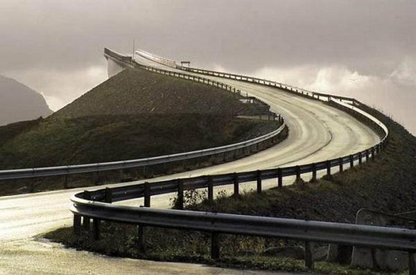 ناکجا آباد ، ترسناک ترین پل جهان در نروژ