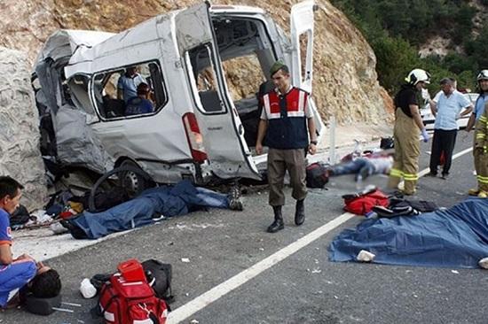حادثه واژگانی مینی بوس حامل شهروندان ایرانی در وان ترکیه