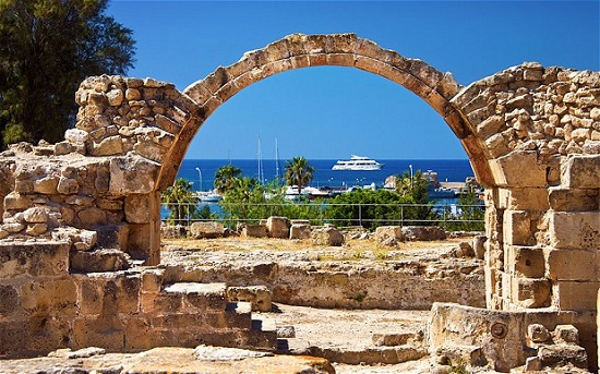 بندر زیبا و تاریخی پافوس در قبرس