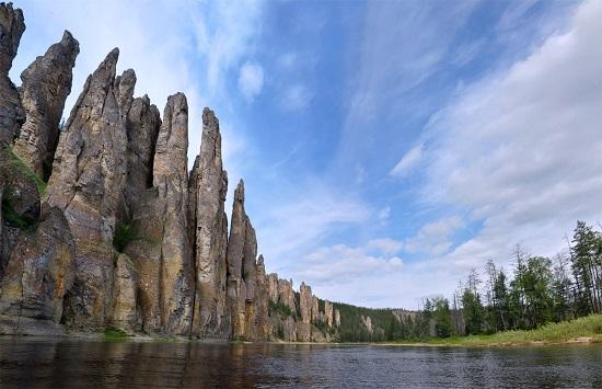 جنگلی متفاوت و سنگی به نام لنا