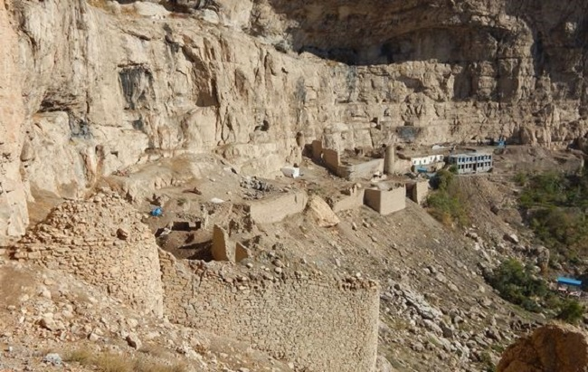 نشانه هایی از انسان های عصر حجر در قلعه ماکو