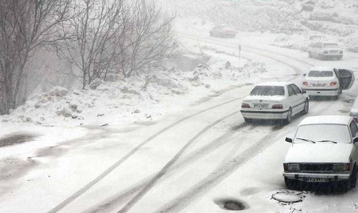 جزئیاتی از بارش برف و وضعیت ترافیکی جاده ها